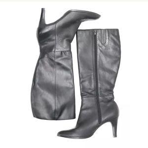 Banana Republic Heeled Boots SZ 9 Side Zip Black